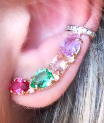 Ear Cuff colors com piercing cravejado